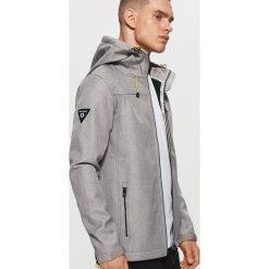 Bluza z polaru typu soft shell - Szary. Czarne bluzy męskie rozpinane marki Cropp, l, z polaru, z kapturem. Za 159,99 zł.