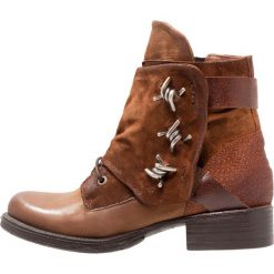 MJUS Śniegowce brandy. Brązowe buty zimowe damskie MJUS, z materiału. W wyprzedaży za 487,20 zł.