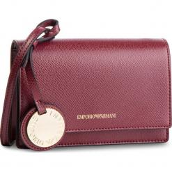 Torebka EMPORIO ARMANI - Y3B086 YH15A 82757 Bordeaux/Stone. Czerwone listonoszki damskie Emporio Armani, ze skóry ekologicznej, zdobione. Za 559,00 zł.