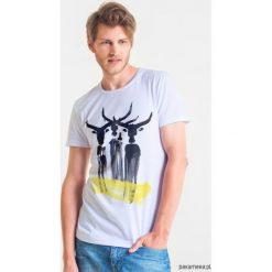 BUFFALO Męski T-shirt. Szare t-shirty męskie Pakamera, m, z bawełny, z klasycznym kołnierzykiem. Za 99,00 zł.