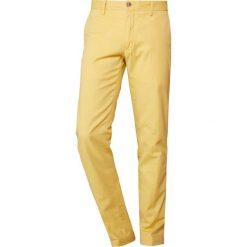 Polo Ralph Lauren SLIM FIT NEWPORT PANT Spodnie materiałowe fall yellow. Żółte rurki męskie Polo Ralph Lauren, z bawełny. Za 629,00 zł.
