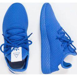 Adidas Originals PW TENNIS HU J Tenisówki i Trampki blue/footwear white. Niebieskie tenisówki męskie marki adidas Originals, z materiału. W wyprzedaży za 263,20 zł.