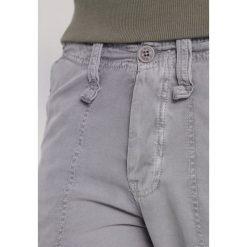 Spodnie męskie: Le Temps Des Cerises MIRADOR Bojówki steeple grey