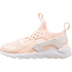 Nike Sportswear HUARACHE RUN ULTRA SE (PS) Tenisówki i Trampki crimson tint/sail/royal tint/white. Czerwone trampki dziewczęce Nike Sportswear, z materiału. Za 359,00 zł.