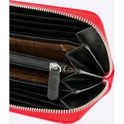 Love Moschino - Portfel. Czarne portfele damskie marki Love Moschino, z materiału. W wyprzedaży za 369,90 zł.