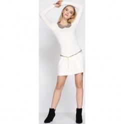 Kremowa Sukienka Shiny. Białe sukienki mini marki Born2be, l. Za 59,99 zł.