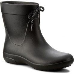 Kalosze CROCS - Freesail Shorty Rainboot 203851 Black. Czarne buty zimowe damskie Crocs, z materiału. Za 199,00 zł.
