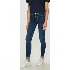 Levi's - Jeansy. Brązowe jeansy damskie rurki Levi's®. Za 399,90 zł.