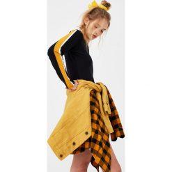 Sukienki hiszpanki: Sukienka z lampasami