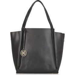 Czarna torba na ramię. Czarne torebki klasyczne damskie marki Kazar, w paski, ze skóry, zdobione. Za 749,00 zł.
