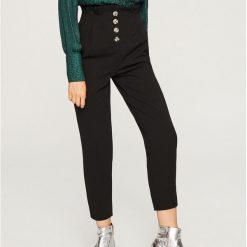 Spodnie z wysokim stanem - Czarny. Niebieskie spodnie z wysokim stanem marki Reserved, z podwyższonym stanem. Za 89,99 zł.