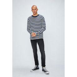 Tommy Jeans - Sweter. Szare swetry klasyczne męskie Tommy Jeans, l, z bawełny, z okrągłym kołnierzem. Za 359,90 zł.