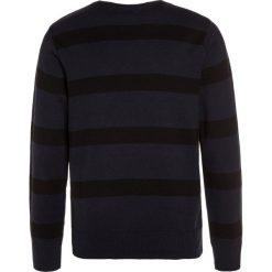 DC Shoes SABOTAGE STRIPE Sweter blue. Czarne swetry chłopięce marki DC Shoes, z bawełny. W wyprzedaży za 167,20 zł.