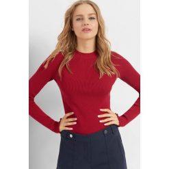 Prążkowany sweter. Niebieskie swetry klasyczne damskie marki Orsay, s, z dzianiny, z okrągłym kołnierzem. Za 69,99 zł.