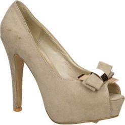 CZÓŁENKA CASU A01275-1. Brązowe buty ślubne damskie Casu, na koturnie. Za 79,99 zł.