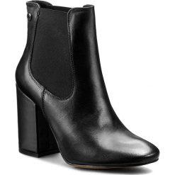 Botki CARINII - B3787 E50-000-PSK-C00. Czarne buty zimowe damskie marki Carinii, ze skóry, na obcasie. W wyprzedaży za 269,00 zł.