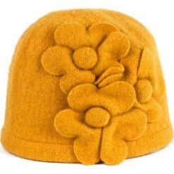 Czapki damskie: Art of Polo Czapka damska Wełniane kwiaty żółta