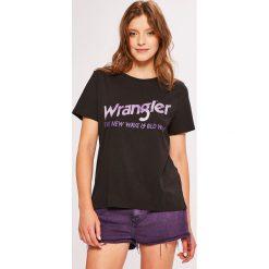 Wrangler - Top. Brązowe topy damskie Wrangler, m, z nadrukiem, z bawełny, z okrągłym kołnierzem. Za 99,90 zł.