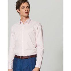 Elegancka koszula z tkaniny poplin - Różowy. Czerwone koszule męskie marki Cropp, l. Za 79,99 zł.