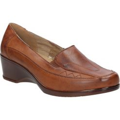 Półbuty na koturnie Casu FY5008. Brązowe buty ślubne damskie marki Casu, na koturnie. Za 49,99 zł.