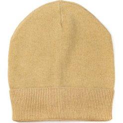 Czapka damska Stylowy minimalizm żółta. Żółte czapki zimowe damskie Art of Polo. Za 37,60 zł.