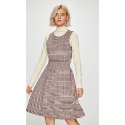 Only - Sukienka Vigga. Szare sukienki dzianinowe marki ONLY, s, z okrągłym kołnierzem. Za 119,90 zł.