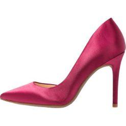 Jessica Simpson LUCINA Szpilki sangria. Czerwone szpilki Jessica Simpson, z materiału. Za 379,00 zł.
