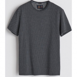 T-shirt z mikrowzorem - Szary. Białe t-shirty męskie marki Reserved, l. Za 39,99 zł.