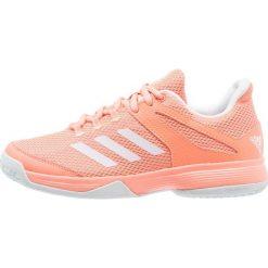 Adidas Performance ADIZERO CLUB  Obuwie multicourt chalk coral/footwear white/blue tint. Brązowe buty do tenisu damskie marki adidas Performance, z gumy. Za 169,00 zł.