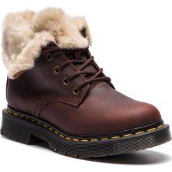 Glany DR. MARTENS - 1460 Kolbert 24014201 Dark Brown/Mustang. Brązowe buty zimowe damskie Dr. Martens, z nubiku. W wyprzedaży za 539,00 zł.