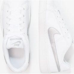Trampki damskie slip on: Nike Sportswear COURT ROYALE Tenisówki i Trampki weiß