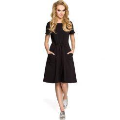 NANON Sukienka z kieszeniami i gumką w talii - czarna. Czarne sukienki Moe, do pracy, s, z bawełny, biznesowe. Za 139,99 zł.