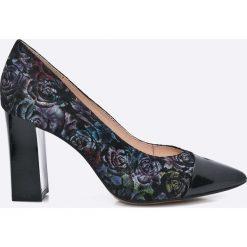 Caprice - Czółenka. Szare buty ślubne damskie Caprice, z materiału, na obcasie. W wyprzedaży za 159,90 zł.