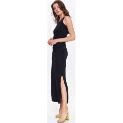 Sukienki: DZIANINOWA SUKIENKA DAMSKA Z OZDOBNYM DEKOLTEM
