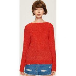 Czerwony sweter z wiązaniem - Czerwony. Czerwone swetry klasyczne damskie Sinsay, l. Za 79,99 zł.