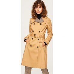 Dwurzędowy płaszcz - Beżowy. Brązowe płaszcze damskie marki Reserved. W wyprzedaży za 149,99 zł.