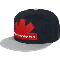 Red Hot Chili Peppers Asterisk Czapka Snapback wielokolorowy. Czerwone czapki z daszkiem damskie Red Hot Chili Peppers, z aplikacjami, z tworzywa sztucznego. Za 79,90 zł.