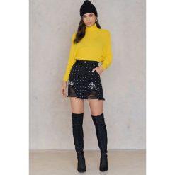 Swetry oversize damskie: NA-KD Sweter z dzianiny z wywijanym golfem - Yellow