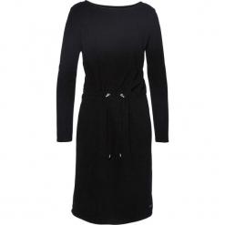 Sukienka z polaru bonprix czarny. Czarne sukienki z falbanami marki bonprix, z polaru, z dekoltem w łódkę. Za 54,99 zł.