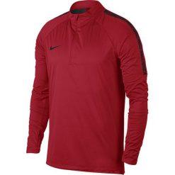 Nike Koszulka męska Shield Squad Drill czerwona r. M (888123 657). Czerwone t-shirty męskie Nike, m, do piłki nożnej. Za 249,45 zł.