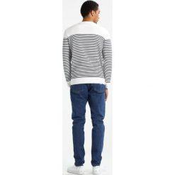 Swetry męskie: Knowledge Cotton Apparel Sweter star white