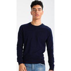 Swetry klasyczne męskie: Scotch & Soda CREWNECK Sweter navy