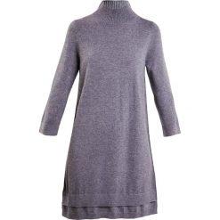 Repeat Sukienka dzianinowa medium grey. Szare sukienki dzianinowe Repeat. W wyprzedaży za 629,40 zł.