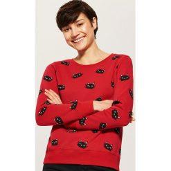 Bluza z nadrukiem all over - Czerwony. Czerwone bluzy z nadrukiem damskie marki House, l. Za 59,99 zł.