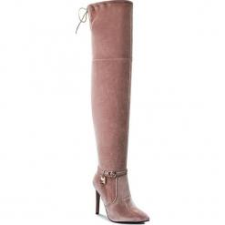 Muszkieterki CARINII - B3515 J31-000-000-A49. Czerwone kowbojki damskie Carinii, z materiału, przed kolano, na wysokim obcasie, na obcasie. W wyprzedaży za 189,00 zł.