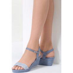 Niebieskie Sandały Like I Do. Niebieskie sandały damskie vices, z materiału, na koturnie. Za 69,99 zł.