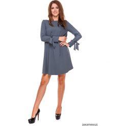 LATORI - Sukienka damska trapezowa LM19/2. Szare sukienki hiszpanki Pakamera, z tkaniny, z dekoltem w łódkę, mini, trapezowe. Za 101,00 zł.