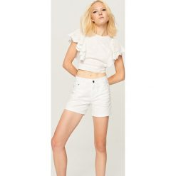 Bermudy damskie: Białe jeansowe szorty – Biały