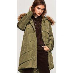Pikowany płaszcz z kapturem - Khaki. Brązowe płaszcze damskie marki Reserved. Za 249,99 zł.