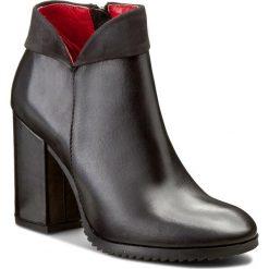 Botki CARINII - B3692 E50-360-PSK-B51. Czarne buty zimowe damskie Carinii, z materiału, na obcasie. W wyprzedaży za 239,00 zł.